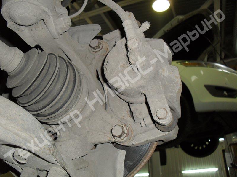 toyota camry gracia замена шпилек переднего колеса